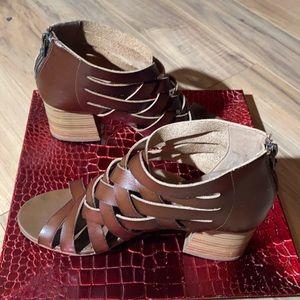 ‼️ Blowfish Brown Sandals Zip Back